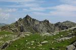 Da qui vediamo il Mittaghorn Südgipfel 2542 m e in fondo a destra il Mittaghorn