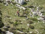 Manuel e Leila scendono verso Bedretto (Gorduno)