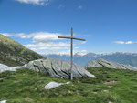 Croce davanti alla Capanna Albagno