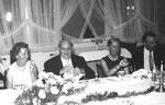 Helmut de Boor zwischen Sigrid (Klett) und Sigrun (Dreschel) Hochzeit Eramus W.1969