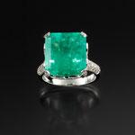 Smaragd-Brillant-Ring 18K WG, CHF 26'400, June 2013