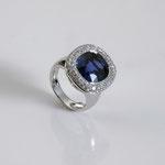 Saphir-Brillant-Ring 18K WG, CHF 30'000, Juni 2012