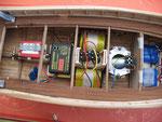 Installation à bord de l'électro-mécanique de propulsion: Le servo de gouvernail, le variateur, les accus, le moteur, et la partie radio commande
