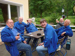 gesellige Abschlußrunde (v.l. im Kreis): Burkhard, Dieter, Günther, Eckard, Hans-Wilhelm u. Thomas