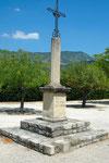 Calvaire de la place Saturnin Rousset. Salomon et Augier sont portés sur le monument aux morts du village. La Picirella parlait de 4 victimes il y en a cinq inscrites sur la plaque. En revanche, La Picirella cite Jiachero qui n'apparait nulle part ni à Sa