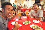 カンボジアに出発する前日 以前もバンコクで一緒に飲んだ 旦那さんの友人 俊ちゃんと晩ごはん