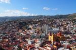 ピピラの丘からの眺め グアナファトの町並みは建物がカラフル