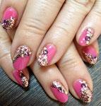 シャンパンゴールドとローズティーのミックスラメがピンクにピッタリ!春ネイル!
