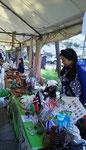 九品仏アートフェスタにて、浄真寺参道にお店が並んでいます。