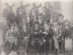 mein urgrossvater, grossvater meiner mutter mit musikanten