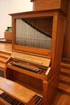 Kleine Orgel (Ott 1956) vor der Hochkanzel