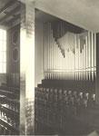 Alte Walcker-Orgel und vergoldete Säule