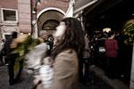 Donna con Fiori a Campo Cesare Battista già della Bella Vienna