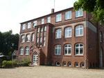 Heimatmuseum Lunden, ehemaliges Schulgebäude