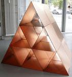 """Objekte l  Kalman Varady """"Temporary House"""" 2015  135 x 157 x 116 cm"""