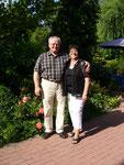 Brigitte und Volkmar Burghardt: Hofeingang