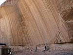 Einfach mal ein riesiger Felsen im Akakus.