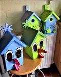 """Houten Nestkastje , """"Nestkastjes in vorm van Vogel groen en blauw, Details, Vogelhuisje bouwen als Vogel, andere nestkastjes"""