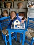 "Houten Nestkastje , ""Nestkastje in Grieks blauw, Details, Vogelhuisje bouwen ,  vogelhuisjes in Grieks blauw, als cadeau"