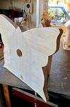 """Houten Nestkastje , """"Nestkastjes in vorm van Vlinder , Details, Vogelhuisje bouwen ,  vogelhuisje vlinder in de maak"""