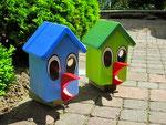 """Houten Nestkastje , """"Nestkastjes in vorm van Vogel groen en blauw, Details, Vogelhuisje bouwen als Vogel, zijkant links"""