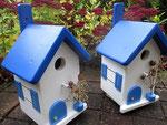 """Houten Nestkastje , """"Nestkastjes in Grieks blauw, Details, Vogelhuisje bouwen ,  zijkanten vogelhuisjes in Grieks blauw"""