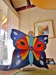 """Houten Nestkastje , """"Nestkastjes in vorm van Vlinder , Details, Vogelhuisje bouwen ,  vogelhuisje vlinder eindresultaat"""