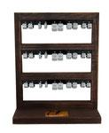 Standdisplay im Vintage-Wood-Look für 15 Paar Ohrschmuck  (Standfläche: ca 15x10cm | Höhe: ca. 18cm)