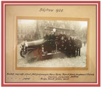 """1928, die Güstrower Feuerwehr auf dem Schlossplatz. Die Bezeichnung """"Spritzenmeister"""" galt für städtische Beamte und Angestellte und berufene Handwerker in der städtischen Feuerwehr ."""