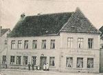 In der Gaststätte im Haus Große Schloßstraße 6 wurde am 17.10.1868 die Güstrower Feuerwehr gegründet.
