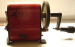 Kurbelinduktor zur Erzeugung des Stromes für die Klingelschleifen der Feuerwehr