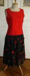 ...wahlweise kann nun ein schlichtes schwarzes Samttop oder ein flashiges rotes shirt dazu getragen werden...