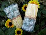 """Highlight auf einem schlichten Pulli oder auch Kleid: Armstulpwen mit Sonnenblumenmotiv und Perlentau""""Tränen"""""""