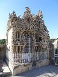 La façade du tombeau