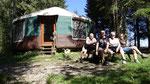 Nicole, Christian et nous devant la yourte de Josiane et Philippe