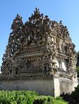 Le tombeau que le facteur s'est construit pendant 8 ans