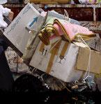 Fragmento de equipaje la carga de nuestras miserias materiales