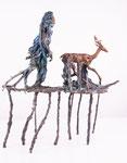 Mänadenzug, Baumfrau im Gewand mit Hirschreittier, Bronze, patiniert