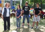"""Die """"Macher"""" - Frau Ziellenbach, Emma Liebrecht (9d), Max Braun (10a) und Zahed Salman (10b)"""