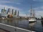Argentinisches Museumskriegsschiff in Buenos Aires