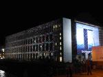 """Berlin Festival of Lights - moderne Nordfassade des neuen """"barocken""""Stadtschloß"""
