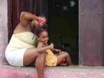 Mutter  und Kind in Trinidad/ Kuba