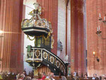 Barocke Kanzel in der gotischen St. Nikolai Kirche in Wismar
