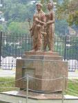 Denkmal für Prinz Dantha und Prinzessin Hemamala, die im Auftrag des indischen Königs die Zahnreliquie nach Sri Lanka schmuggelten