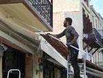 Saisonvorbereitung durch Steichen im Hafen von Rethymno, Kreta