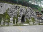 Elephantenhöhle auf Bali, Indonesien