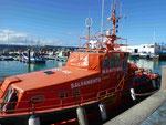 Seenotrettungsboot im Hafen von Los Christianos, Teneriffa, Spanien
