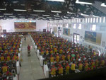 Arbeiterinnen in einer Zigarattenfabrik in Suryabaya/Java