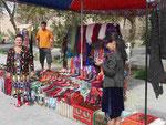 Souvenirhändlerfamilie in Khiwa,Usbekistan