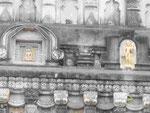 Figuren am  Mahabodhi Tempel von Bodhgaya, Indien